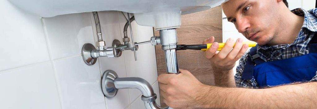4 Ways To Unclog Your Bathtub Drain With Standing Drinking water